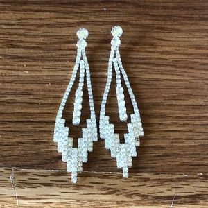 Jewelry - 🔴SOLD🔴 Prom earrings
